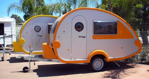 mini wohnwagen kleine caravans f r kleine budgets. Black Bedroom Furniture Sets. Home Design Ideas